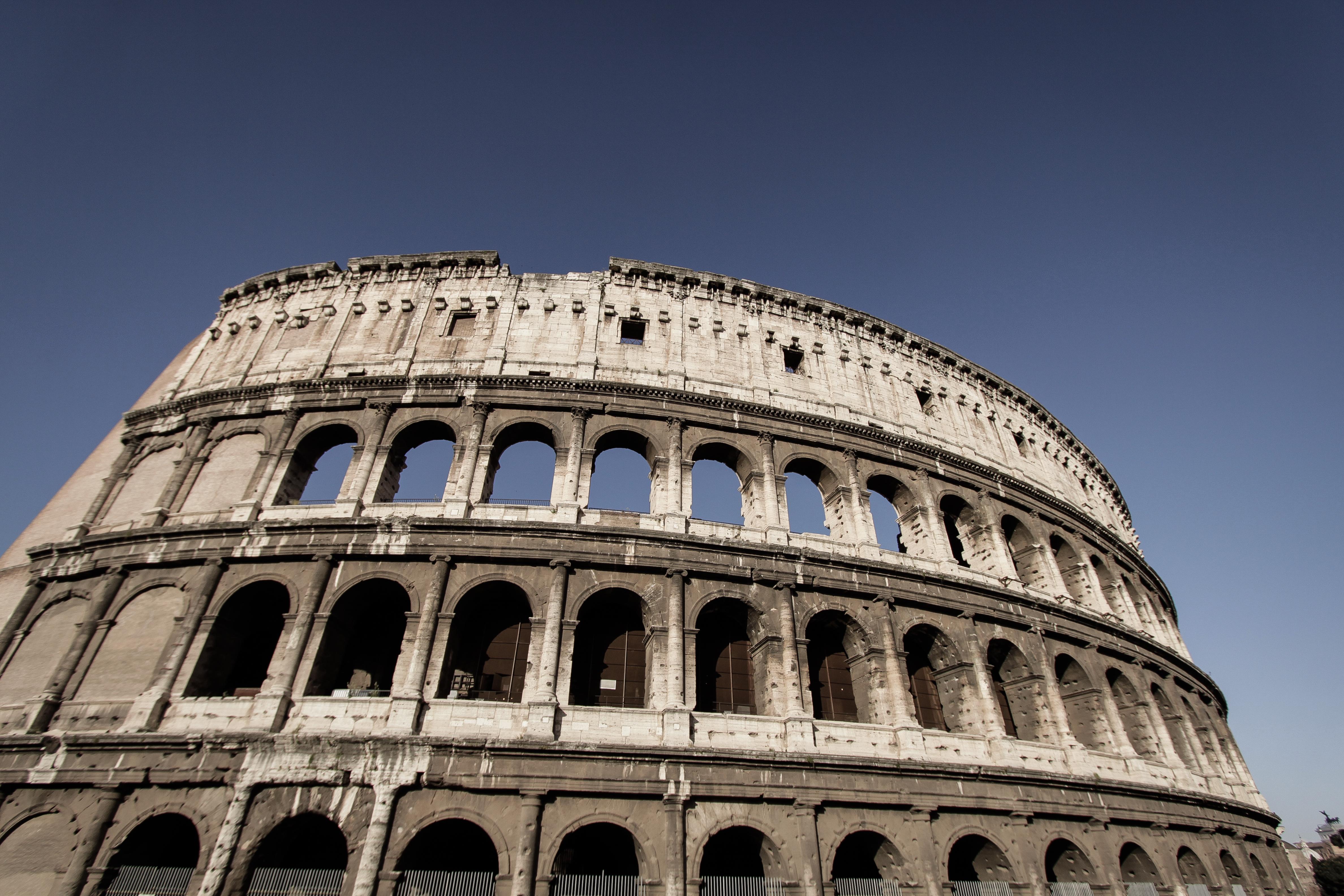 LR-Rome Colosseum