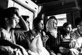 web_femmes-dans-un-taxi-collectif