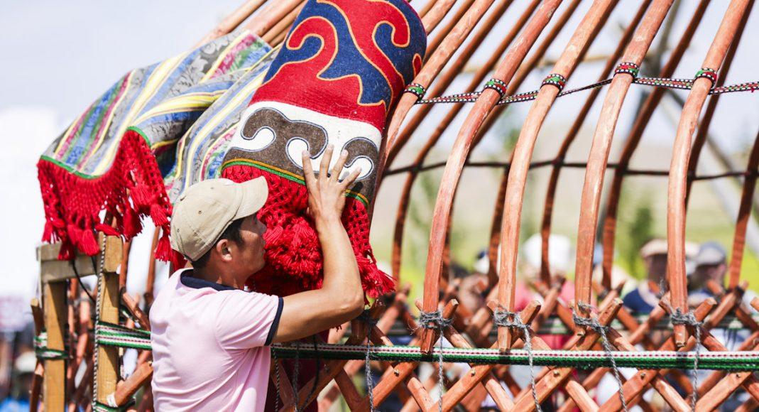 how to build a yurt kyrgyzstan