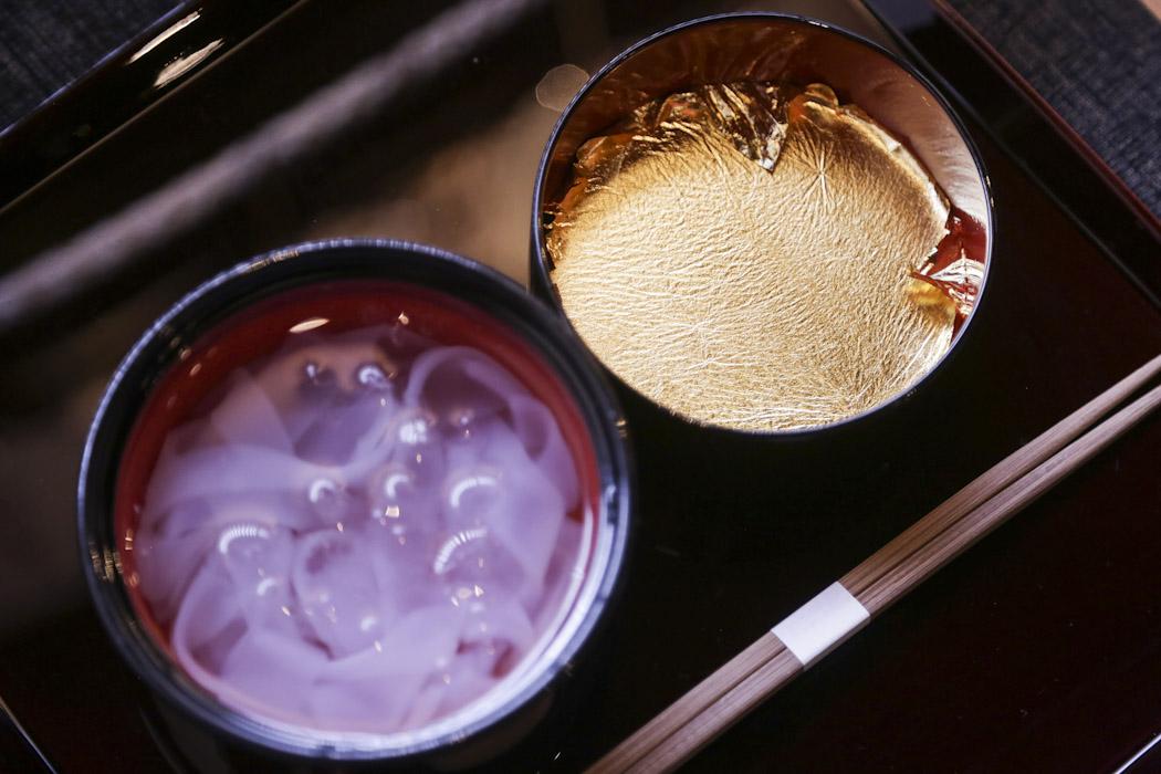 Ohgon Kudzukiri - a dessert made of kudzu-vine and edible gold