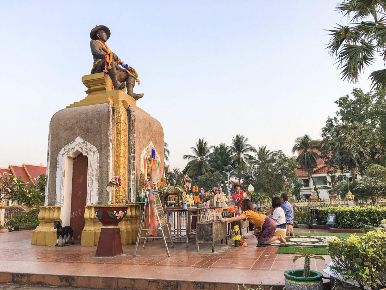 king Setthathirath Statue_IMG_2976
