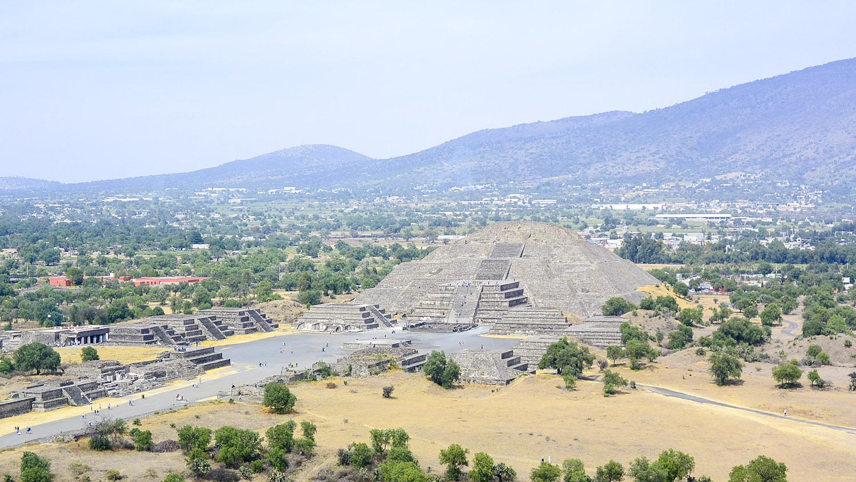 WEB_pyramid-of-the-moon