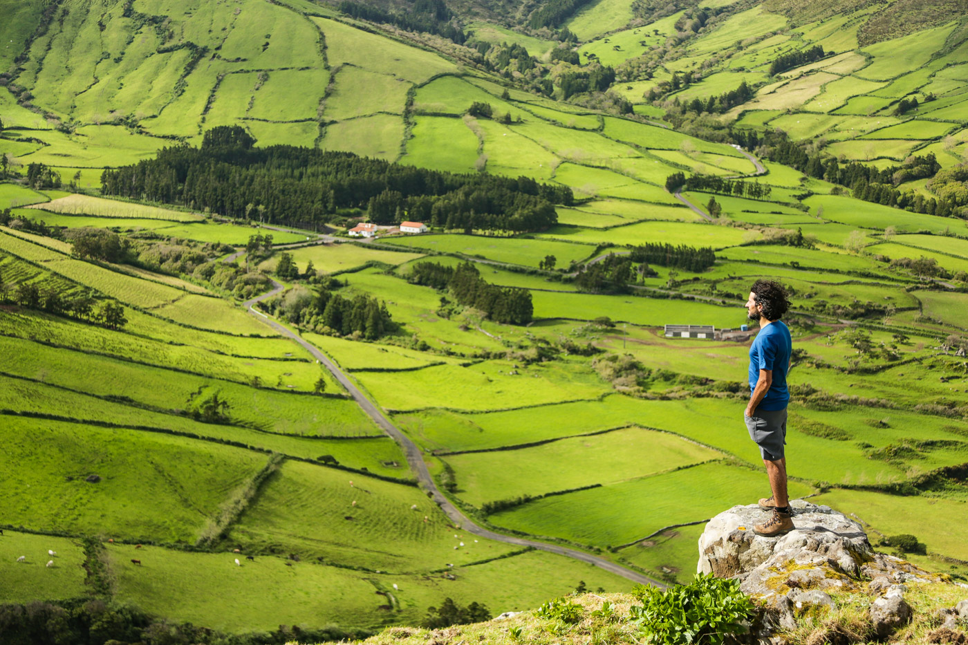 hikes and trails in Flores Azores